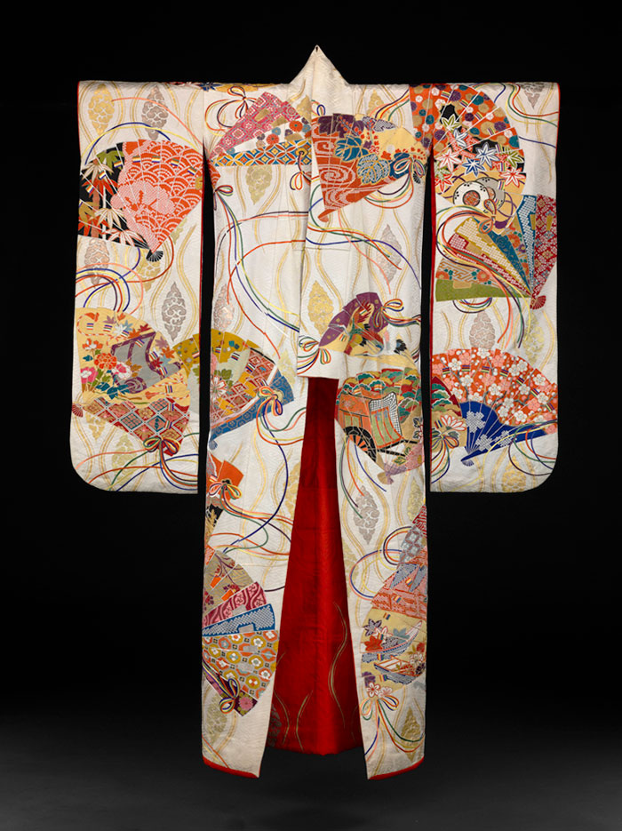 Kimono Furisode 1912-1989, Taisho (1912-1926) or Showa (1926-1989). Japan. Gift of Mrs. D.M. Cheston, Baltimore 1990.113